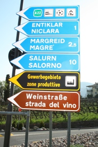 Wine signs magré